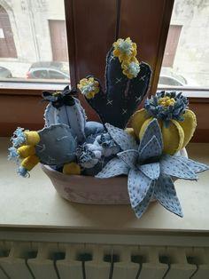 Felt Crafts, Fabric Crafts, Sewing Crafts, Diy And Crafts, Felt Flowers, Diy Flowers, Fabric Flowers, Deco Cactus, Cactus Flower