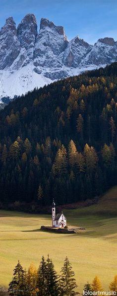 Villnoss Valley, Tyrol, Italy La mia valle preferita!!! Dove mi rifugio quando ho bisogno di ricollegarmi con me stesso.
