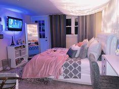 Neon Bedroom, Room Design Bedroom, Room Ideas Bedroom, Beauty Room Decor, Decor Home Living Room, Bedroom Decor For Teen Girls, Stylish Bedroom, Cozy Room, Aesthetic Bedroom
