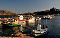 Ξημέρωμα σε κάποιο αιγαιοπελαγίτικο ακρογιάλι. Στην κραταιά παντοδυναμία του ήλιου που δειλά απλώνει το πρώτο του φως, σα μέλι… Greece Islands, Told You So, Summer, Summer Time, Greek Islands