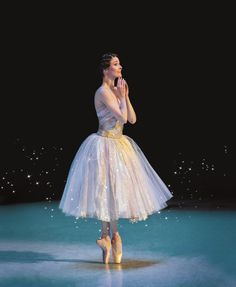 The Australian Ballet 2015-Cinderella-Amber Scott-photo Lynette Wills