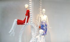 ZARA 'White Looping' Spring Window Display ~~ 好簡潔 俐落~