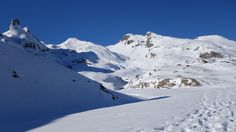 Izq-dcha: Campana d'Anéou (2214 metros), Gralleras (2262 metros), Cuyalaret (2286 metros), Anéou (2364 metros) y Mauhourat (2312 metros)