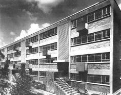 """Edificio de multifamiliares Tipo """"A"""", Unidad de Servicios Sociales y de Habitación N º 1 de Santa Fe, México DF 1957  Arqs. Mario Pani y Luis Ramos Cunningham -  Multifamiliar """"Type A"""" building, Unidad Habitacional Santa Fe, Mexico City 1957"""