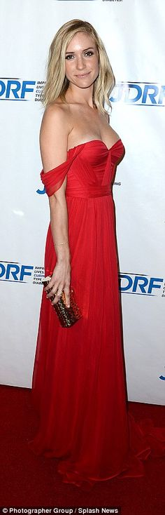 Kristin Cavallari risks a wardrobe malfunction in the name of fashion | Daily Mail Online