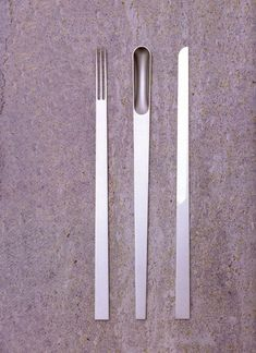 Long and thin cutlery set. Piattona cutlery by designer Elise Rijnberg.