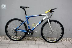 Vintage Bike Parts, Vintage Bikes, Retro Vintage, Gt Mountain Bikes, Mountain Biking, Gt Bikes, Classic Bikes, Bicycling, Old School