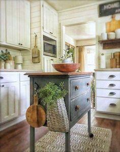 Cottage Kitchens, Farmhouse Kitchen Decor, Kitchen Redo, Country Kitchen, New Kitchen, Home Kitchens, Kitchen Remodel, Kitchen Ideas, Kitchen Designs
