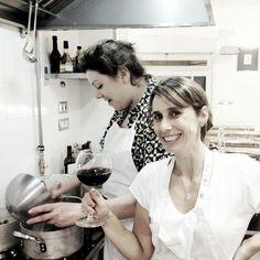 """Twitter / destemperadinho: Dando uma de """"mamma italiana"""" na scuola di cucina em #Bologna"""