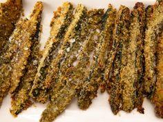 "Parmesan Pesto Zucchini Sticks (Cook Like a Pro: Herbs All Ways) - Ina Garten, ""Barefoot Contessa"" on the Food Network. Zucchini Sticks, Zucchini Pesto, Bake Zucchini, Zucchini Fritters, Food Network Recipes, Food Processor Recipes, Cooking Recipes, Gf Recipes, Vegetable Sides"