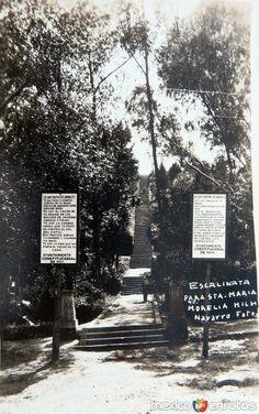 Fotos de Morelia, Michoacán, México: ESCALINATA DE SANTA MARIA Hacia 1945