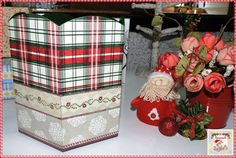 Caixa para Panetone Pequena  Caixa de MDF decorada com guardanapo e detalhes em verniz vitral. Tamanho: 16 cm de altura e 15,5 cm de profundidade.  Disponibilidade: Pronta entrega