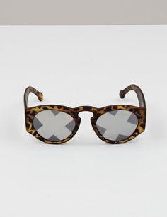 Alexandra Cassaniti Face It Sunglasses - lifestylerstore - http://www.lifestylerstore.com/alexandra-cassaniti-face-it-sunglasses/