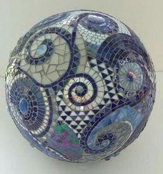 mosaic orb blue gazing ball garden terracotta by PsykelChic Mosaic Flower Pots, Mosaic Pots, Mosaic Garden, Mosaic Glass, Mosaic Tiles, Pebble Mosaic, Tiling, Mosaic Bowling Ball, Bowling Ball Art