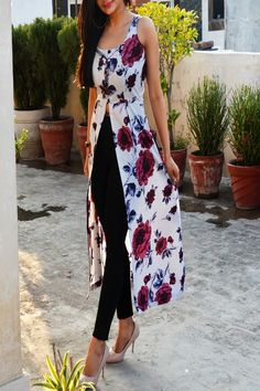 Buy Powder Blue Floral Printed Crepe Front Slit Kurti Online in India Simple Kurta Designs, Kurti Neck Designs, Kurta Designs Women, Kurti Designs Party Wear, Indian Fashion Modern, Indian Fashion Trends, Indian Designer Outfits, Indian Outfits, Boho Summer Outfits