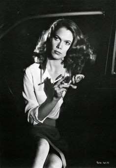 Modern film noir at its finest. Kathleen Turner in Body Heat One of THE hottest films from post-noir era! Heat Film, Heat Movie, People Smoking, Women Smoking, Kathleen Turner Body Heat, Romancing The Stone, Nostalgia, Belleza Natural, American Actress