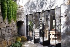 In Justin Hemmes, moved back into his family home, The Hermitage, a heritage-listed waterfront manse in Vaucluse. Steel Doors And Windows, Metal Windows, Casa Patio, Tadelakt, House Of Beauty, Waterfront Homes, Patio Doors, Architecture, Beautiful Homes