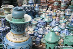 Cerâmica tradicional do norte de Marrocos à venda em Chefchaouen