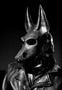 A very cool modern Anubis, the Egyptian jackal-headed God of mummification and the afterlife. Mythology is one of my favourite flavours of fetish fuel <3
