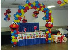 ELMO PARTY IDEAS, we ca totally pull of the arch! @Melissa Crawford.