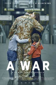 """A WAR Gli orrori (e gli errori) di una guerra moderna, contrapposti alla quotidiana lotta di una donna che si sforza di non essere vedova, nonostante il marito sia vivo ma lontano. Intimo e delicato a tratti, duro e iperrealistico in altri momenti, il film mostra allo spettatore due facce di quella stessa medaglia, che forse nessuno vorrebbe (e dovrebbe) mai vedere. Nel genere, Lindholm è ormai una garanzia. RSVP: """"A Hijaking"""", """"American Sniper"""". Voto: 7/8."""