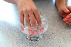 Sneller, beter, mooier? Wij zetten de allerbeste inside nagellaktips op een rijtje. Nagel-hacks (ofte: lifehacks voor je nagels) die je nagels nog mooier maken!