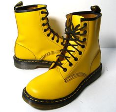 New DOC MARTENS 9  DR. Martens Boots Yellow Leather Boots 1450  #DrMartens #AnkleBoots