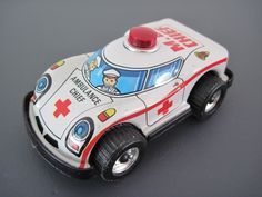 VINTAGE TIN PLATE AMBULANCE CHIEF CAR - FRICTION DRIVE - MADE IN HONG KONG | eBay