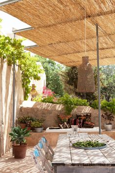 Esta hermosa villa  es el perfecto alquiler de vacaciones. Situado en Ibiza, aislado y con más de 10.000 metros cuadrados de terreno, p...