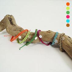 Be positive bracelets  By Guanábana handmade