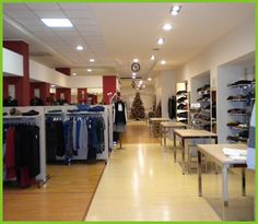 G.A.2 srl è un negozio di abbigliamento che associa buon gusto e raffinatezza nel campo dell'abbigliamento uomo, donna e bambino. Il personale addetto alla vendita garantisce un servizio gentile e grande disponibilità!