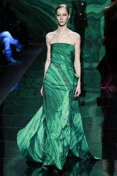 New York FW Monique Lhuillier Fall 2013 - Love the emerald, color of the year! Malachite crystal print. TT r