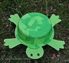 Recycling Craft for Kids - Timmy the Turtle Diy For Kids, Crafts For Kids, Arts And Crafts, Turtle Quilt, Turtle Crafts, Insect Crafts, Stem Projects, School Projects, Farm Crafts