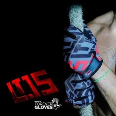 Shop for the latest LT15 Forever Gloves. These are StrongerRX latest launch gloves in very affordable prices. Come to StrongerRX.com for more info! Source: https://strongerrx.com/collections/womens-gloves/products/strongerrx-gloves-for-life-fitness-gloves