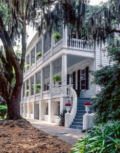 Rhett House Inn- Beautiful bed and breakfast, amazing food, and outstanding staff! I Beaufort, Sc! Vacation Places, Vacation Spots, Places To Travel, Vacations, Southern Homes, Southern Living, Southern Mansions, Southern Charm, Puerto Rico