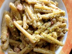 Crunch n' Munch! Scrumptious casarecce pasta (similar to penne) with bacon, cream and pistachio. As taught to me earlier this year by my great cook Italian bro' in law. Thanks Mauro!