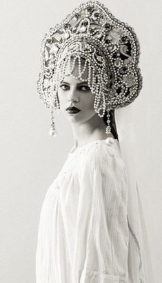 ⍙ Pour la Tête ⍙ hats, couture headpieces and head art - Russian
