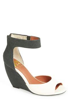 love these colorblock wedge sandals http://rstyle.me/n/ki5kvr9te