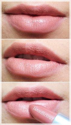 MAC Kinda Sexy Matte Lipstick. I have this lipstick and LOVE IT