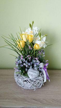 dekorBEA / Jarna spomiekova dekoracia Vence, Ikebana, Glass Vase, Retro, Home Decor, Homemade Home Decor, Decoration Home, Floral Arrangement, Mid Century