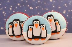 Penguin cupcakes Looking for an original Christmas cupcake idea? How about topping them with a cute waddling penguin? Kids are going to love these penguin cakes, created by cupcake queen, Victoria Threader Animal Cupcakes, Cute Cupcakes, Baking Cupcakes, Cupcake Recipes, Pink Cupcakes, Baking Desserts, Cupcake Ideas, Health Desserts, Feltro