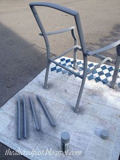 10 Simple and Creative Tricks: Street Furniture House furniture kitchen doll houses.Primitive Furniture For Sale shabby chic furniture living room. Patio Furniture Redo, Chair Redo, Outdoor Furniture Chairs, Lawn Chairs, Furniture Repair, Chair Makeover, Repurposed Furniture, Painted Furniture, Bedroom Furniture
