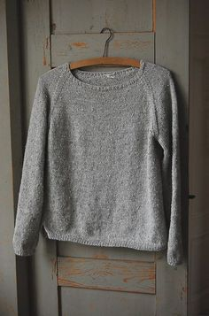 Sweater pattern by Gralina Frie. Free via http://www.ravelry.com/patterns/library/silk-gray.
