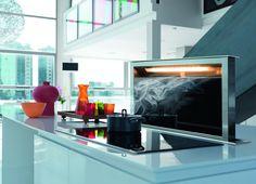<p>Wybierając sprzęt AGD do kuchni zwarto zwrócić uwagę na funkcjonalność i estetykę. <strong>Okap Franke</strong> Downdraft FDW 908 IB XS to świetne i nowoczesne rozwiązanie. Wysuwany z blatu okap gwarantuje wygodę i doskonałą integrację z wystrojem wnętrza. Łatwa obsługa i minimalistyczne wzornictwo sprawdzą się w każdej kuchni.</p>