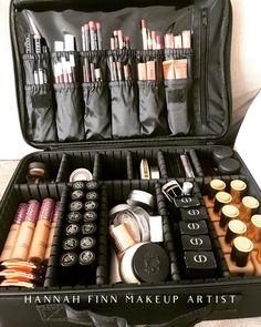 Makeup Artist Kit, Freelance Makeup Artist, Mua Makeup, Makeup Kit, Bb Cream For Oily Skin, Makeup Vanity Storage, Sparkle Makeup, Simple Eyeshadow, Amazon Gadgets