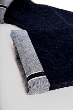 Настоящий селвидж деним отличается особой окантовкой швов. А вы носите селвидж?  #деним #джинсы #японскийденим #селвидж #сыройденим #streetstory #streetstorystore #streetstory20 #purebluejapan #pbj