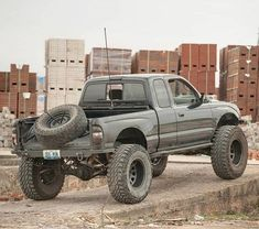 Love this tire carrier! Toyota Tundra Lifted, Toyota Pickup 4x4, Toyota Tacoma 4x4, Tacoma Truck, Toyota Trucks, Pickup Trucks, Toyota Prerunner, Toyota Hilux, Cbx 250
