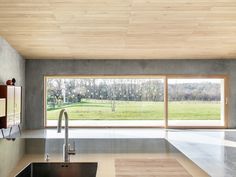 CASA ELL - Picture gallery Concrete Facade, Concrete Wall, Smooth Concrete, Load Bearing Wall, Architectural Section, Wood Windows, Plaster Walls, Reinforced Concrete, Entrance Doors