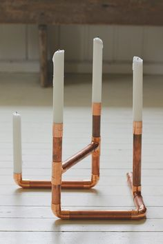 DIY / Hazlo tú mismo: puedes hacer un portavelas uniendo tubos y accesorios de cobre y dándoles la forma que quieras. ¡El único límite es tu imaginación! #DIYconCobre