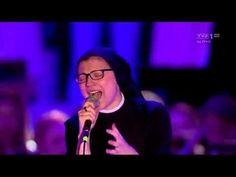 S. Cristina Scuccia OSU — Blessed Be Your Name — ŚDM Kraków 2016 - YouTube